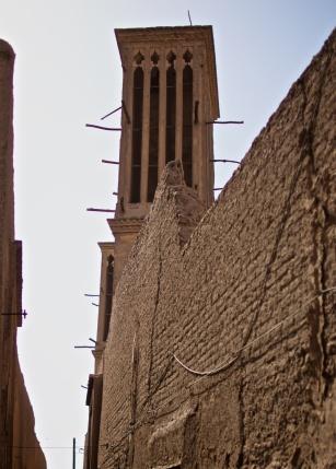 Windfänger leiten jede leichte Brise zum Kühlen ins Innere der Häuser