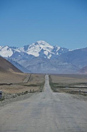 Blick zurück auf der Straße zum Karakul-See