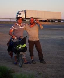 mit einem turkmenischen Truckfahrer